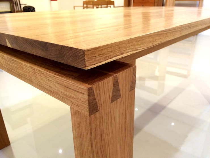 WHITE OAK TABLE: MOKNEE의 현대 ,모던
