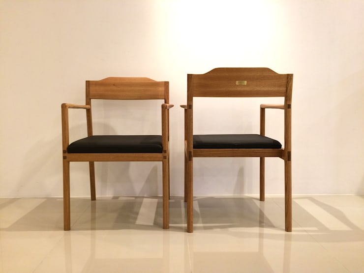 WHITE OAK CHAIR: MOKNEE의 현대 ,모던