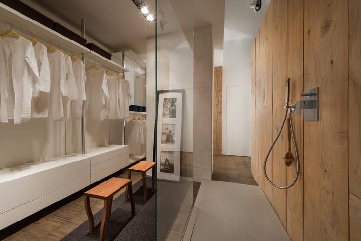 modern Bathroom by Forme per Interni