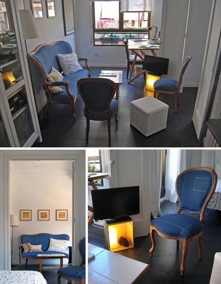 salón en Chamberí, Madrid: Salones de estilo  de CarlosSobrinoArquitecto