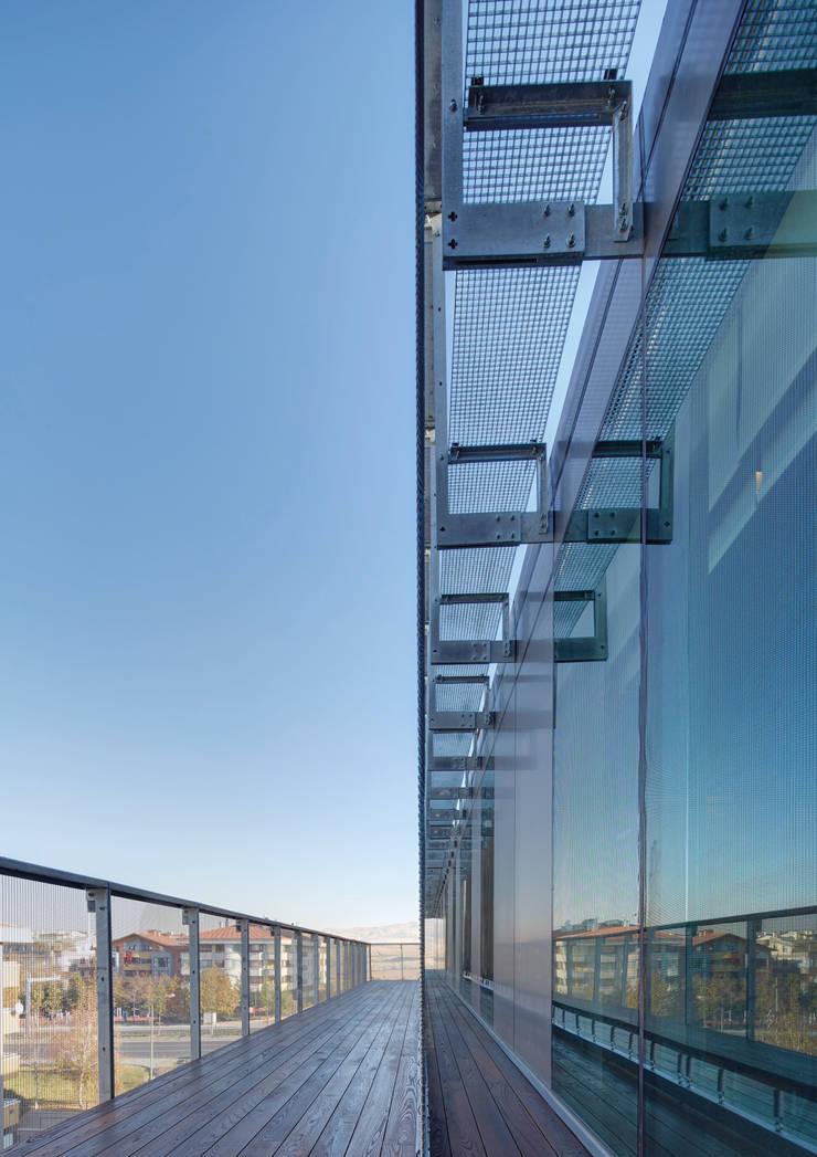 Avci Architects – AVCIARCHITECTS_04_MESH DETAIL:  tarz Ofis Alanları