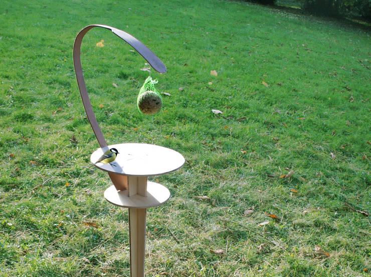 Le Perchoir-Mangeoire contreplaqué - Jab: Jardin de style  par Jerome Elie