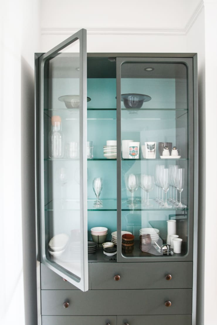 Bespoke Freestanding Display Cabinet:  Dining room by GO