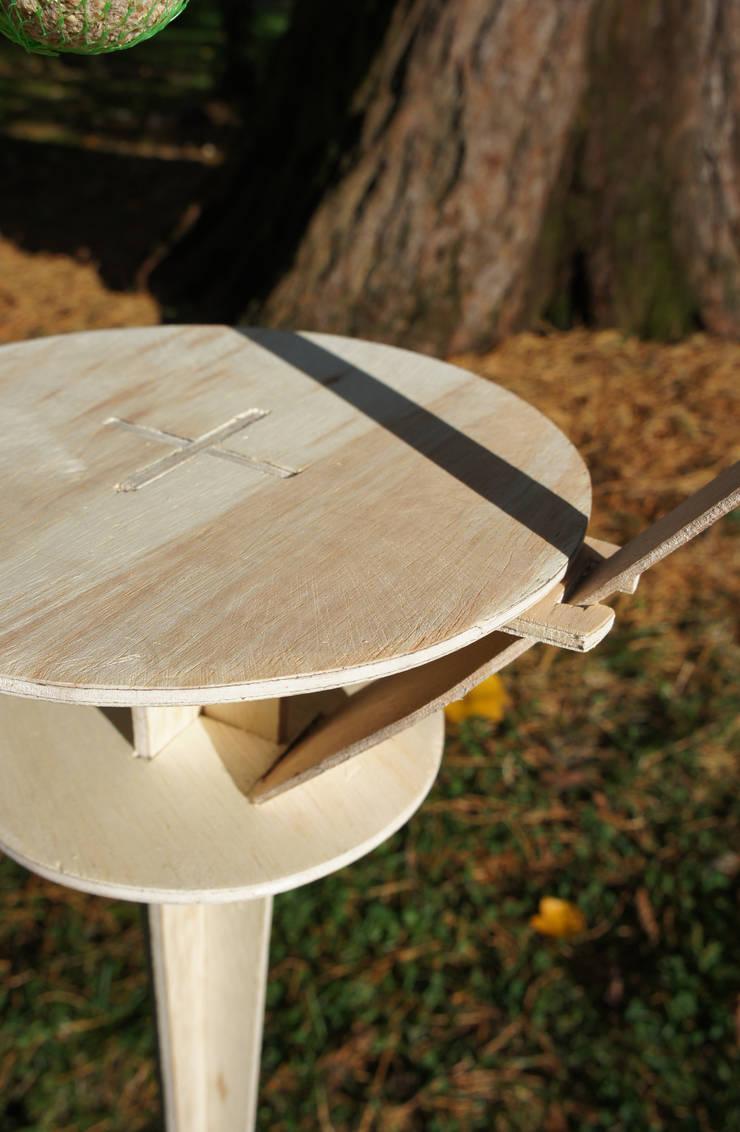 Le Perchoir-Mangeoire contreplaqué – Jab: Jardin de style  par Jerome Elie