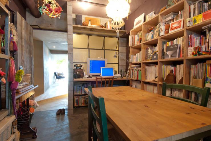 ワークスペース: TATO DESIGN:タトデザイン株式会社が手掛けた書斎です。