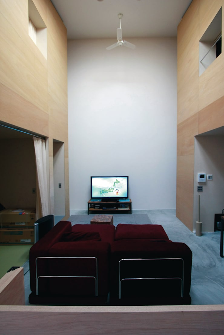 Living room by Kondohideo Architects co,;ltd., Eclectic