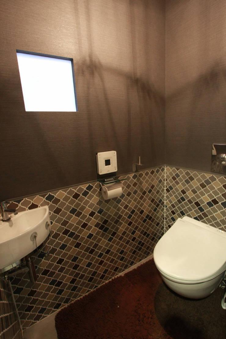 Bathroom by Kondohideo Architects co,;ltd., Eclectic