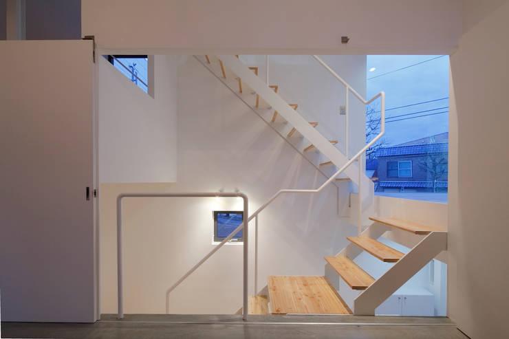 white collage: KEIKICHI YAMAUCHI ARCHITECT AND ASSOCIATESが手掛けた商業空間です。