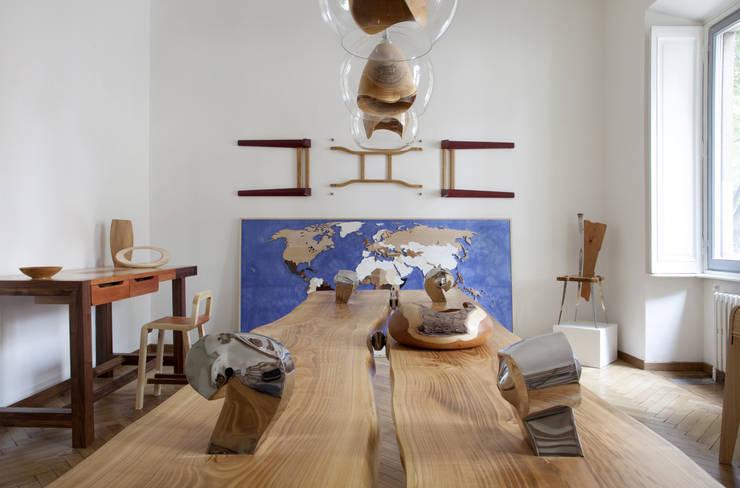 "Banco da cucina ""Falegname"": Negozi & Locali commerciali in stile  di SLOW WOOD - The Wood Expert, Scandinavo"