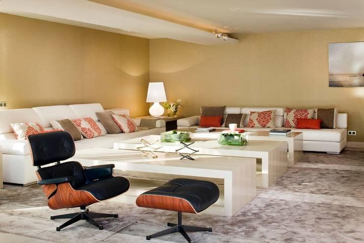 Salón : Salones de estilo  de ESTER SANCHEZ LASTRA