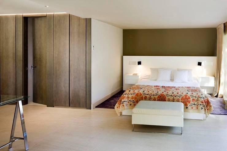 Detalle Cabecero: Dormitorios de estilo  de ESTER SANCHEZ LASTRA