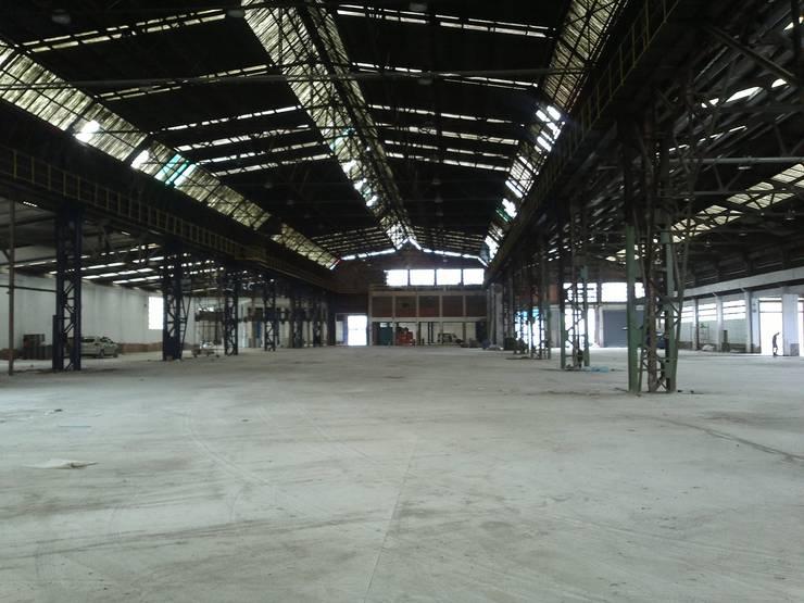 Interior de la rehabilitación de pabellones en Basauri:  de estilo  de ARQUILUR3 S.L.P.