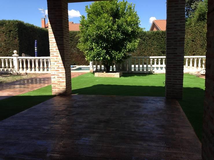 Hierba artificial: Jardines de estilo  de Allgrass Solutions