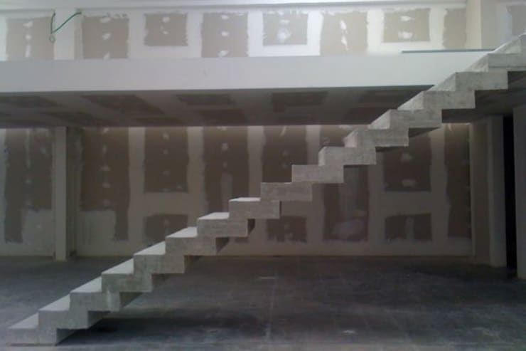 Stairs|wordwide 2004/2014: Ingresso & Corridoio in stile  di EMC | Architects Workshop, Moderno