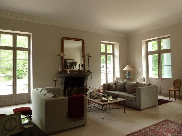 Chateau en CHALOSSE:  de style  par EURL Cyril DULAU architecte