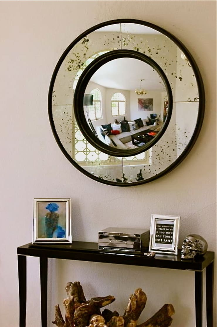 Bespoke Round Convex Mirror:  Dressing room by Alguacil & Perkoff Ltd.