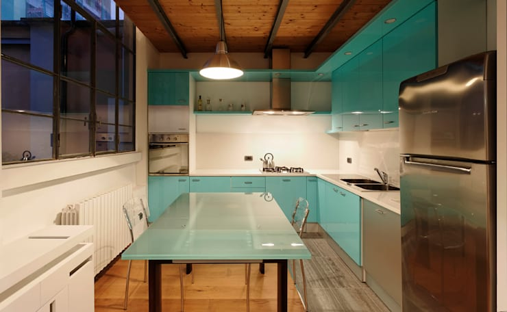 Loft a Milano; zona Ripa Ticinese: Cucina in stile  di Studio Arch. Matteo Calvi
