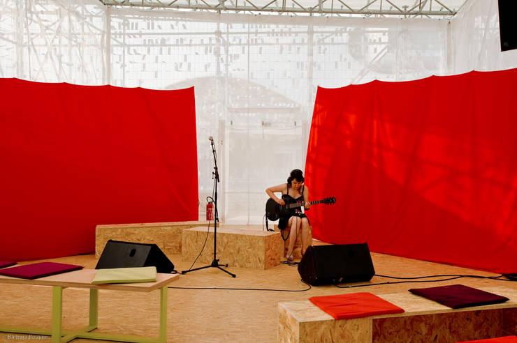 En répétition: Centre d'expositions de style  par Emilie Marx