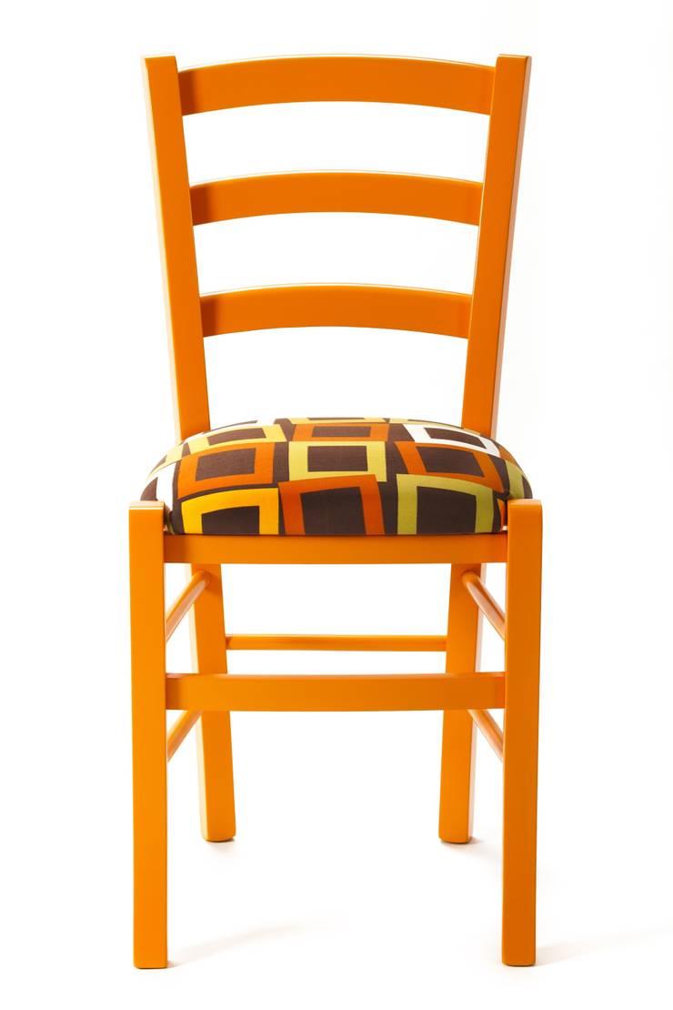 Square Chair: Sala da pranzo in stile  di Plinca Home