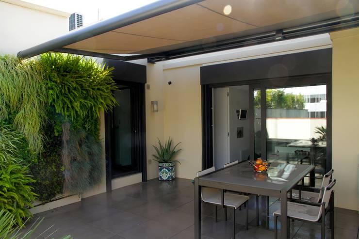 Terraza: Terrazas de estilo  de FG ARQUITECTES
