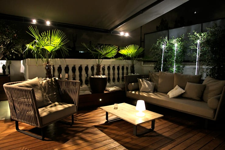 Iluminación ambiente terraza: Terrazas de estilo  de FG ARQUITECTES