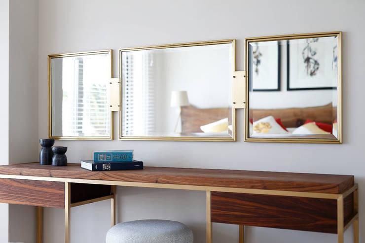 Dormitorios de estilo moderno de Escapefromsofa