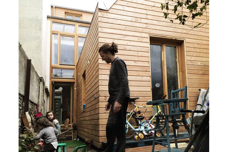 Maison S: Jardin de style  par atelier eem