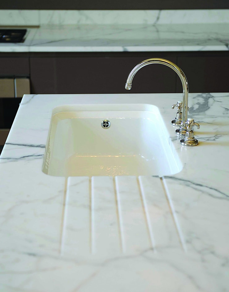 Statuary Marble Worktop :  Kitchen by Stone Age