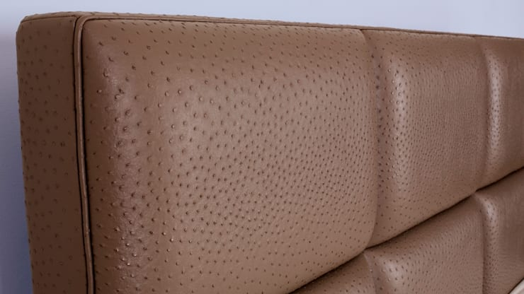 detail FreshBed hoofdbord uitgevoerd in Sahco Hesslein meubelstof Nandu:  Slaapkamer door FreshBed