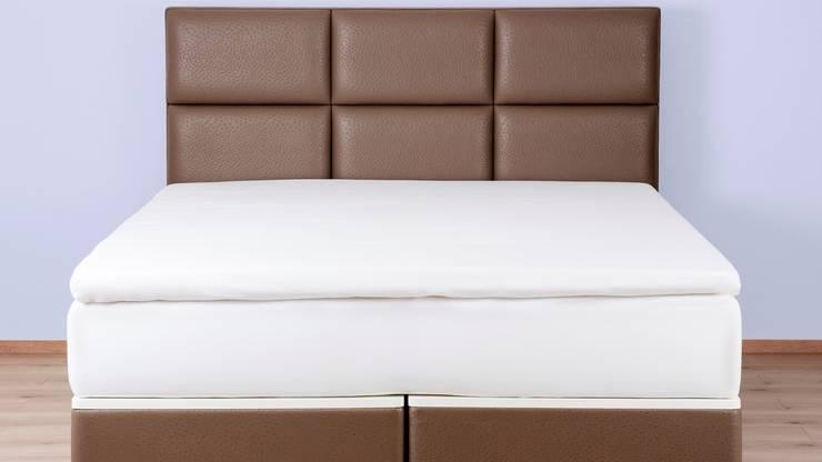 FreshBed hybride met hoofdbord uitgevoerd in Sahco Hesslein meubelstof Nandu:  Slaapkamer door FreshBed