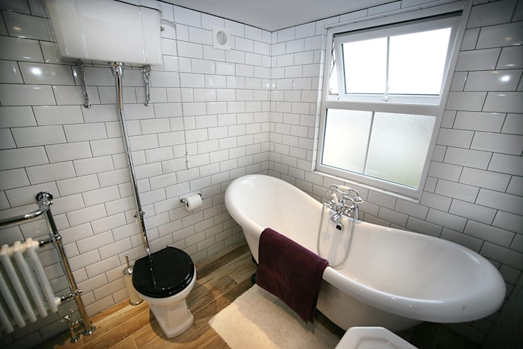 Ensuite Loft Bathroom : industrial Bathroom by A1 Lofts and Extensions
