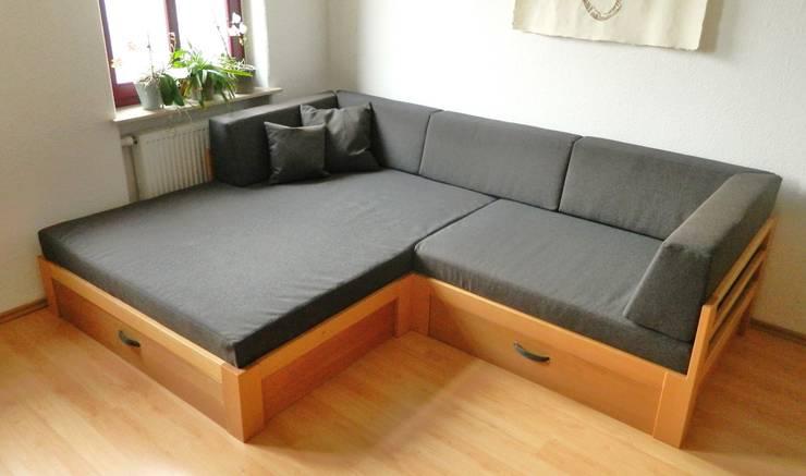 sofa mit viel stauraum von traumkonzepte raumausstattung und polsterei homify. Black Bedroom Furniture Sets. Home Design Ideas