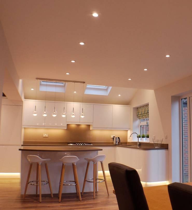Aylesbury Kitchen Design :  Kitchen by Whitehouse Interiors