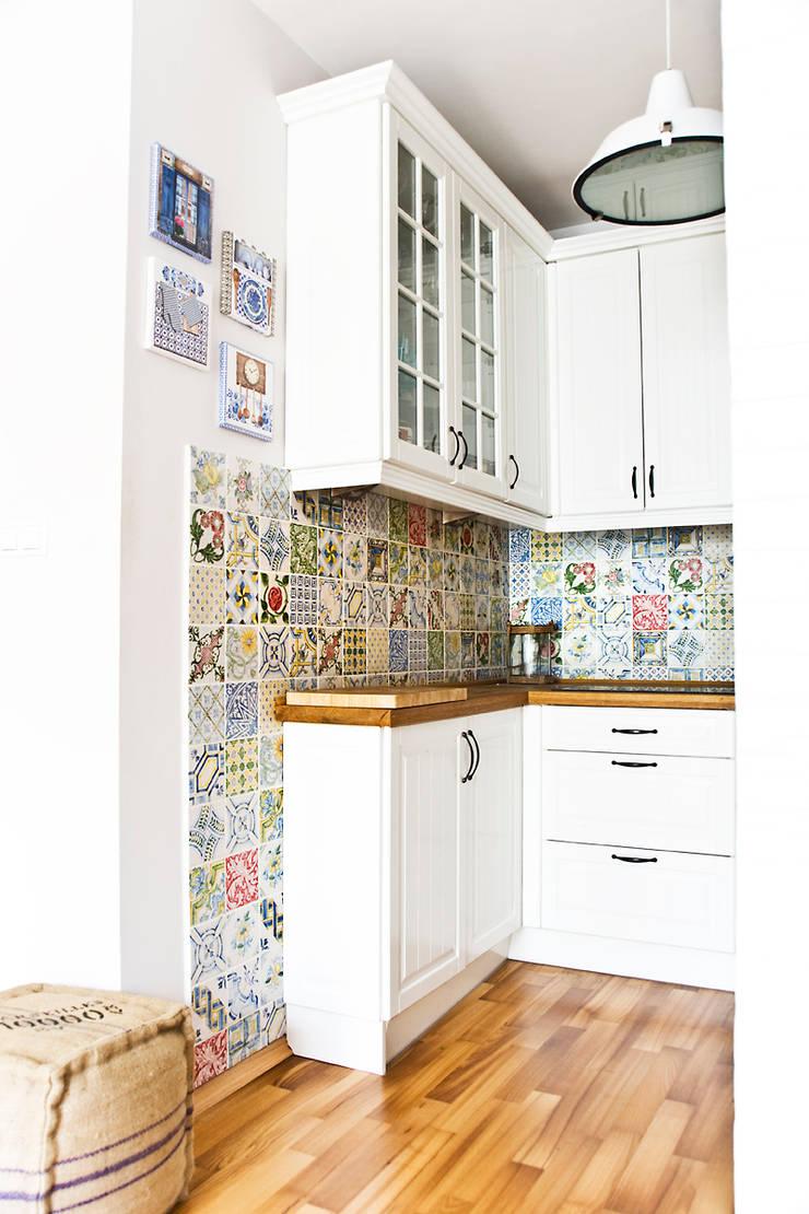 Mieszkanie letnie.: styl , w kategorii Kuchnia zaprojektowany przez Miśkiewicz Design,