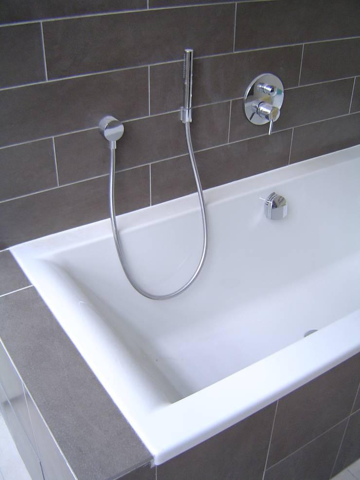 Salle de bain: Salle de bains de style  par Olivier Dubucq