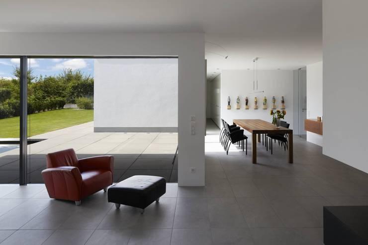 Haus_W:  Esszimmer von Fachwerk4 | Architekten BDA