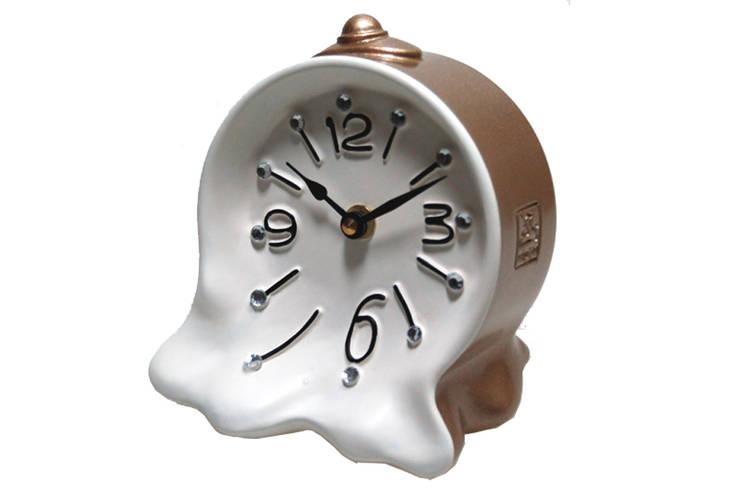Vago Minds Ltd. – Hayalet Masa Saati / Awakening Clock:  tarz Ev İçi