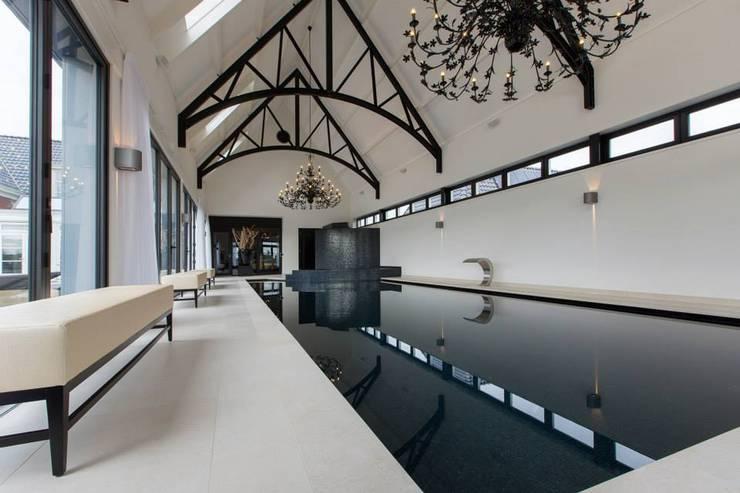 Realisatie Waterstijl binnenwellness in HoekseWaard:   door Waterstijl Luxe Zwembaden