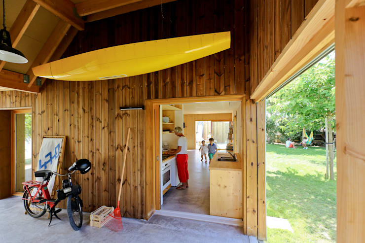 Garage/shed by TICA