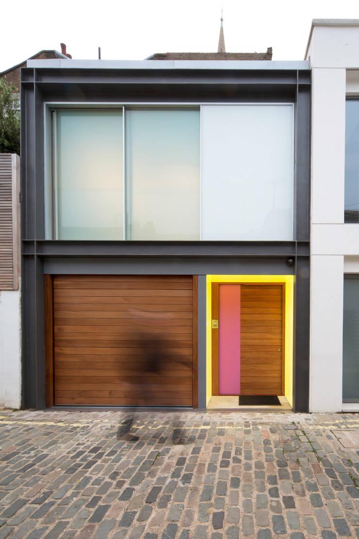 Outdoor illuminated doorframe:  Windows  by Applelec
