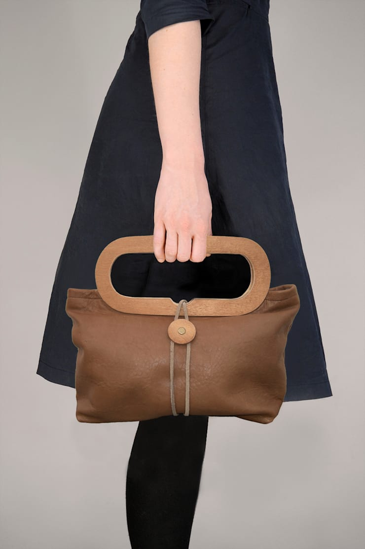 NIPPON handbag:  Kleedkamer door RENATE VOS product & interior design