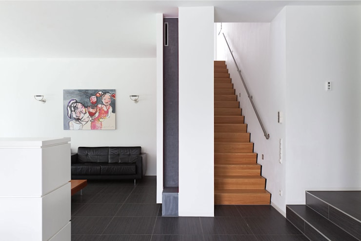 woonhuis H Sittard: moderne Woonkamer door 3d Visie architecten