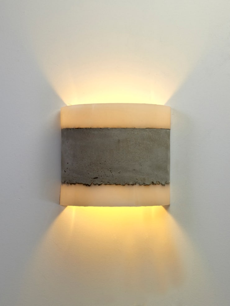 CONCRETE wall lamp:  Kantoren & winkels door RENATE VOS product & interior design