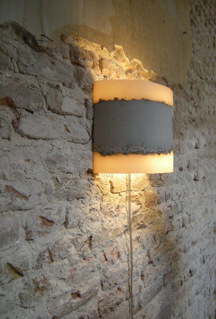 CONCRETE wall lamp:  Gang, hal & trappenhuis door RENATE VOS product & interior design