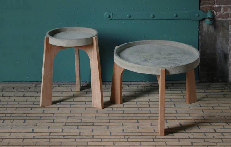 TABLES: scandinavische Woonkamer door RENATE VOS product & interior design