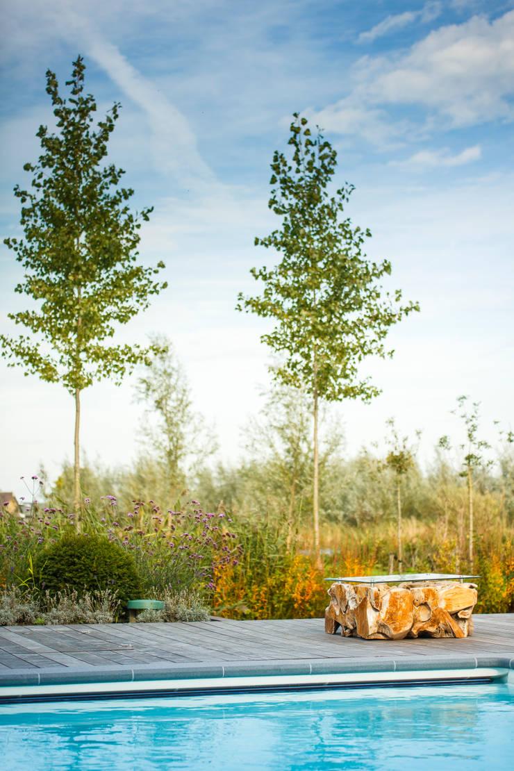 handgemaakte bijzettafel:  Tuin door Stam Hoveniers