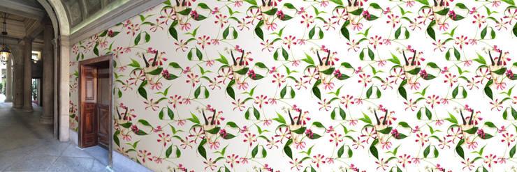 Muurbloem Design Studio_Collection Flowers + Leaves_Honey Suckle & Skull:  Muren & vloeren door Muurbloem Design Studio