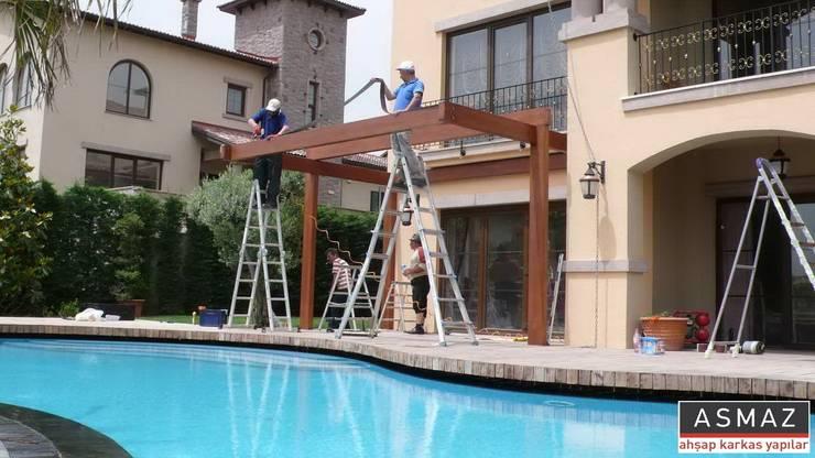 ASMAZ Timber Structures – Pergolata Montaj:  tarz Balkon, Veranda & Teras