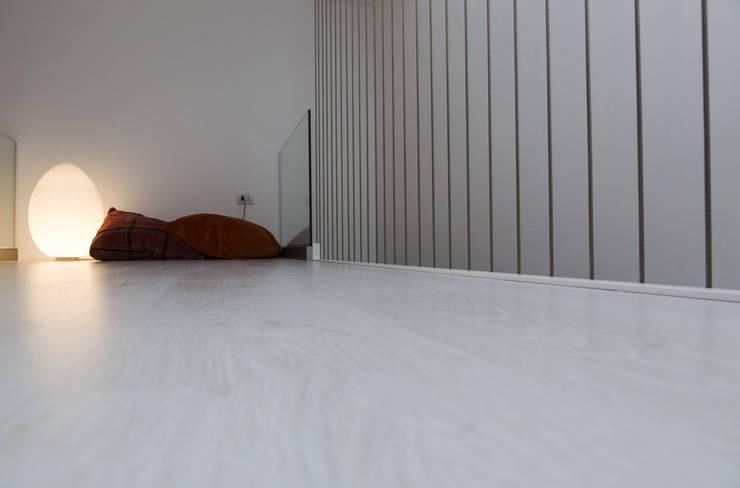 Casa T2A:  in stile  di EStudio Architettura, Minimalista