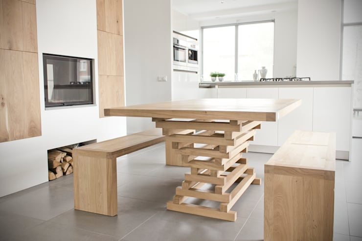 Table Altaar private residence: modern  door VanJoost, Modern